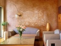 Стены в гостиной — чем выполнить отделку? От зеркальной глади до природной текстуры + 84 фото