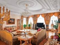 Лепнина в гостиной — изысканность спрятанная в подробных деталях (70 фото + видео)