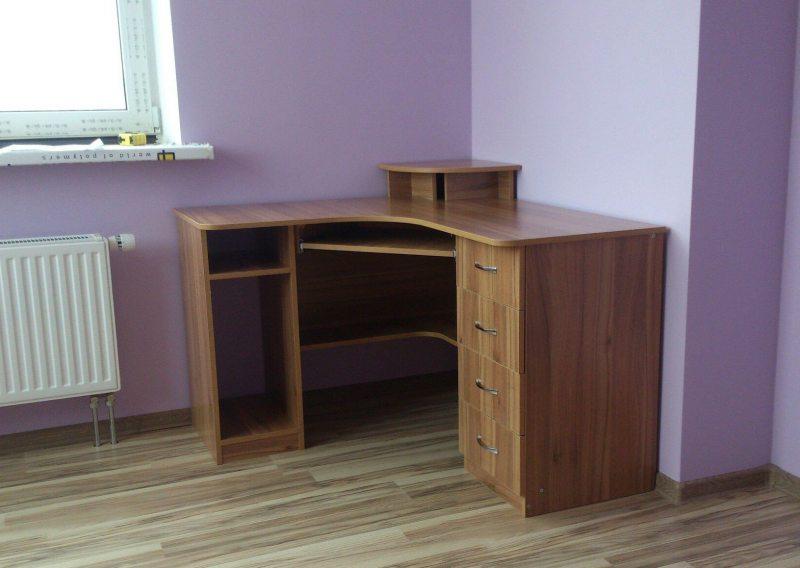 компьютерный стол в гостиной 53 фото организации пространства для