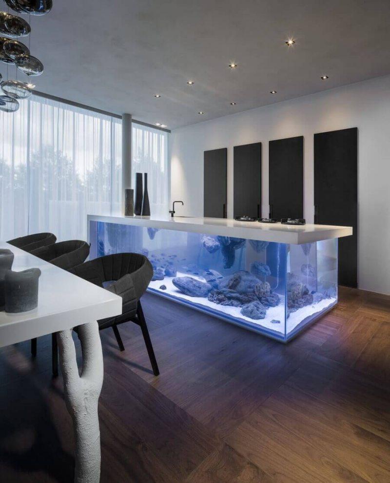 Akvarium v gostinoy 49