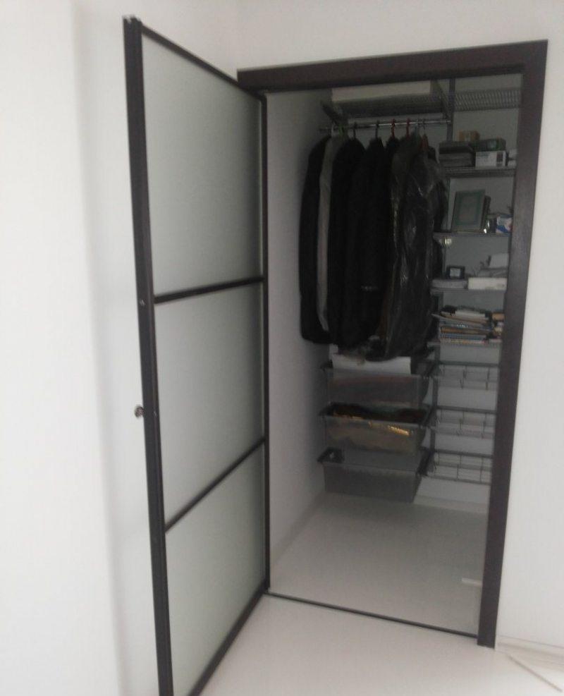 Garderobnaya v gostinoy 29