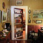 Gostinaya s potaynoy dveryu 1