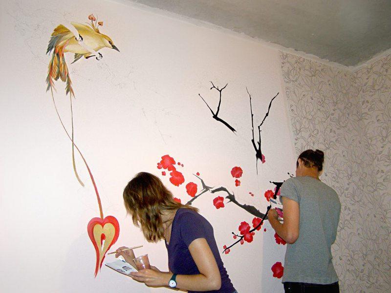 Risunki na stenah v gostinoy 69